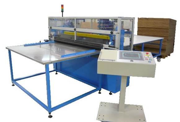 Maszyna do zautomatyzowanego cięcia poprzecznego z systemem posuwu